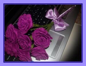 Букетик цветов фиолетовые розы